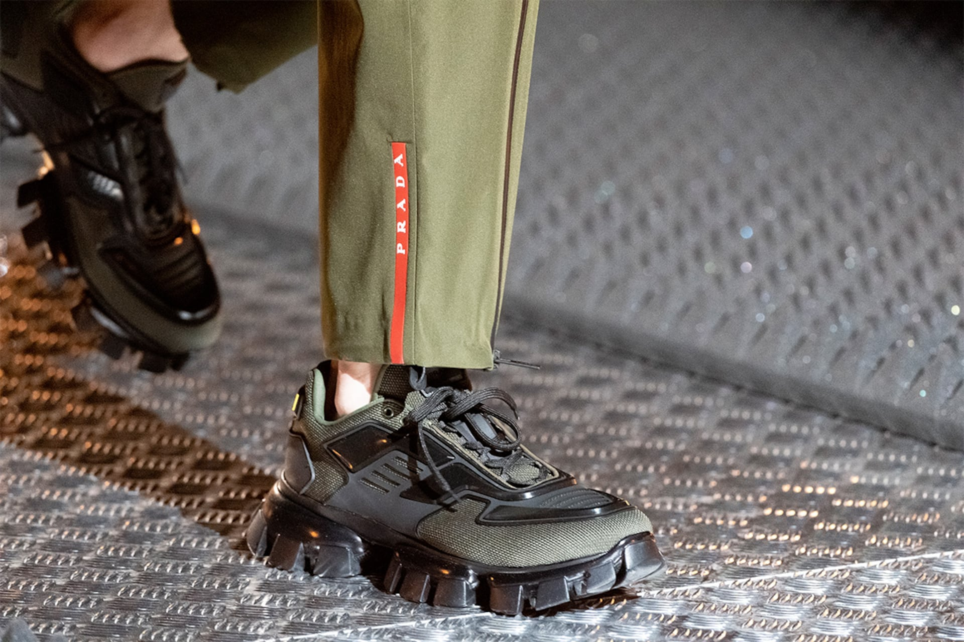 Prada Fall Winter 2019 Men's and Women's fashion show detail 3 with cloudbust thunder
