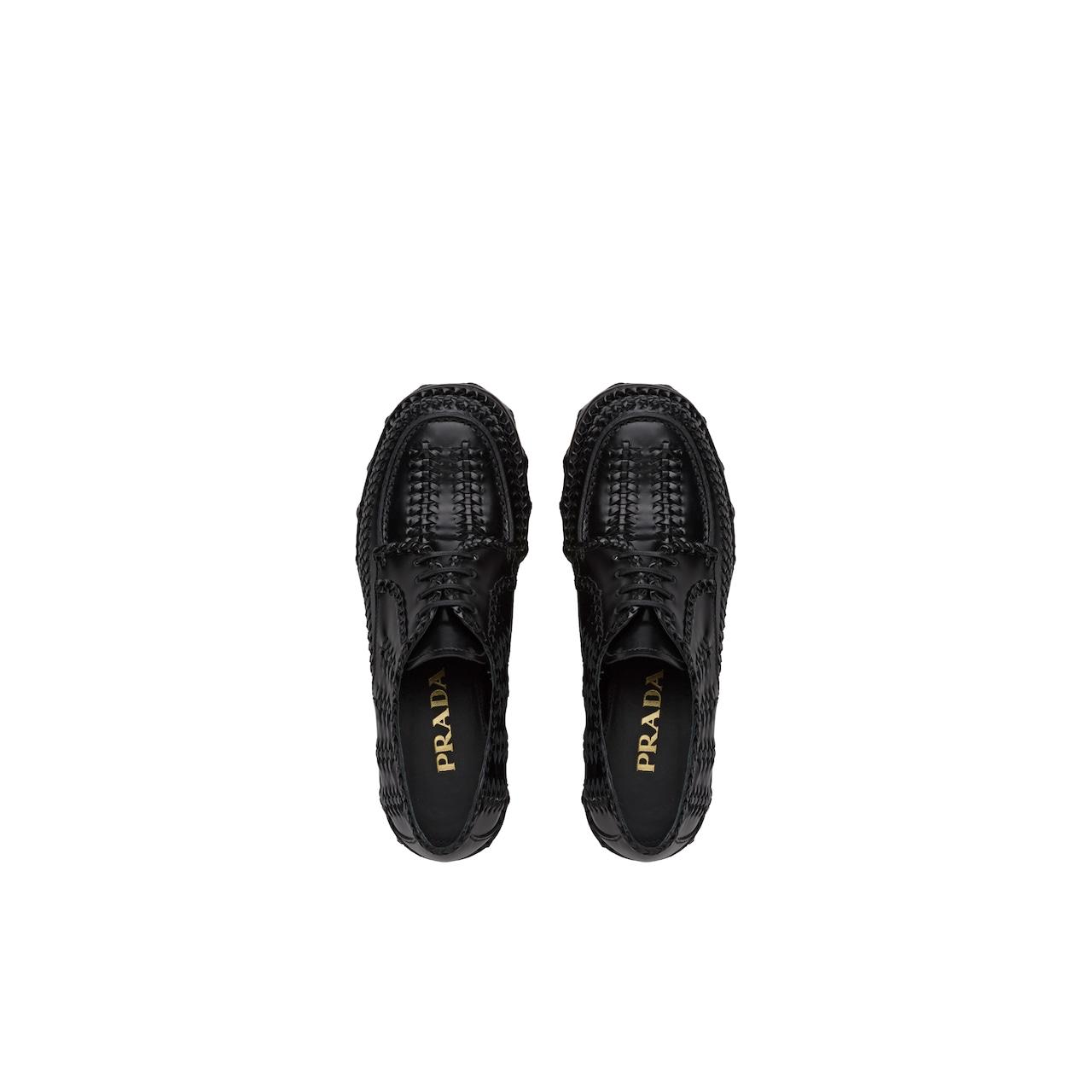 Prada 亮面皮革系带鞋 4