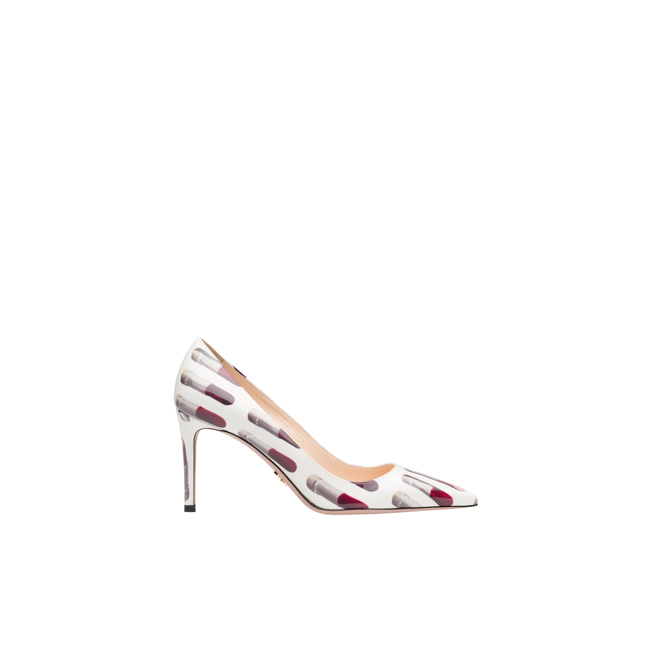 Patent leather pumps with lipstick print