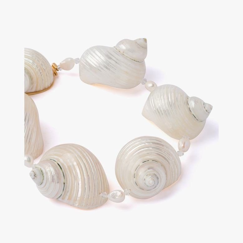 Silver choker with shells