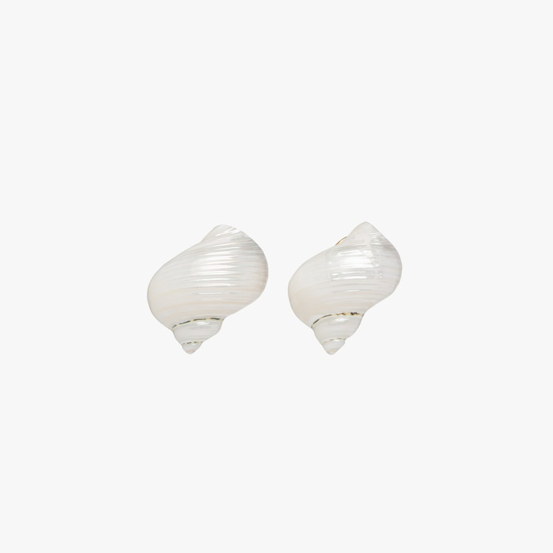 Silver earrings with shells