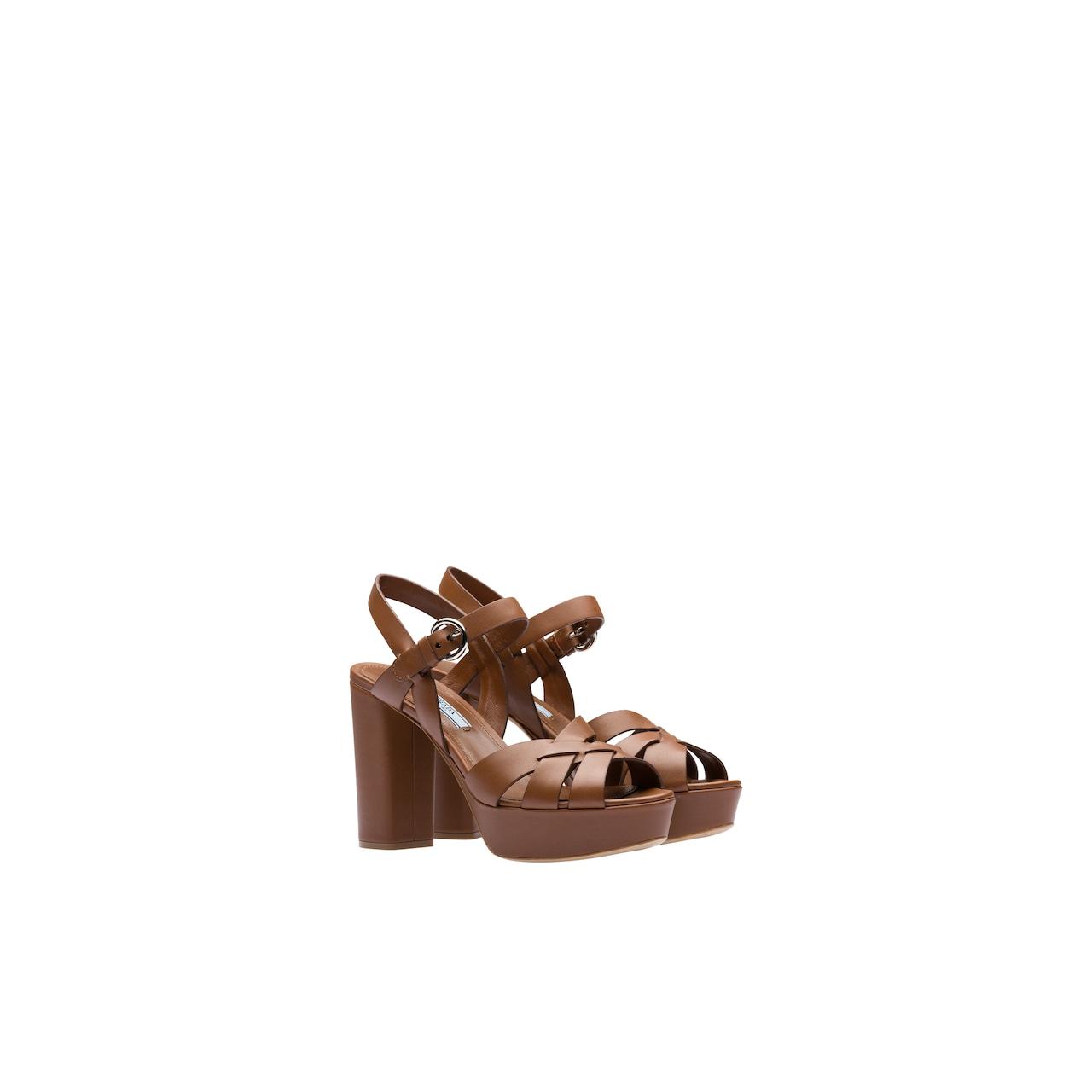 Sandali in pelle con plateau