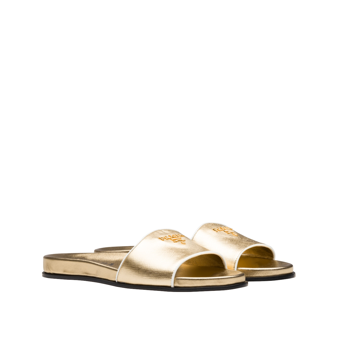 Patent leather sandals with Saffiano print