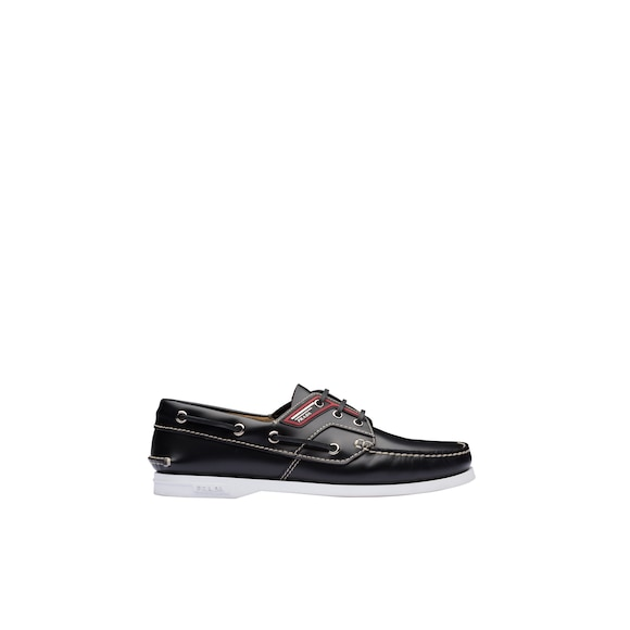 Brushed leather boat shoes