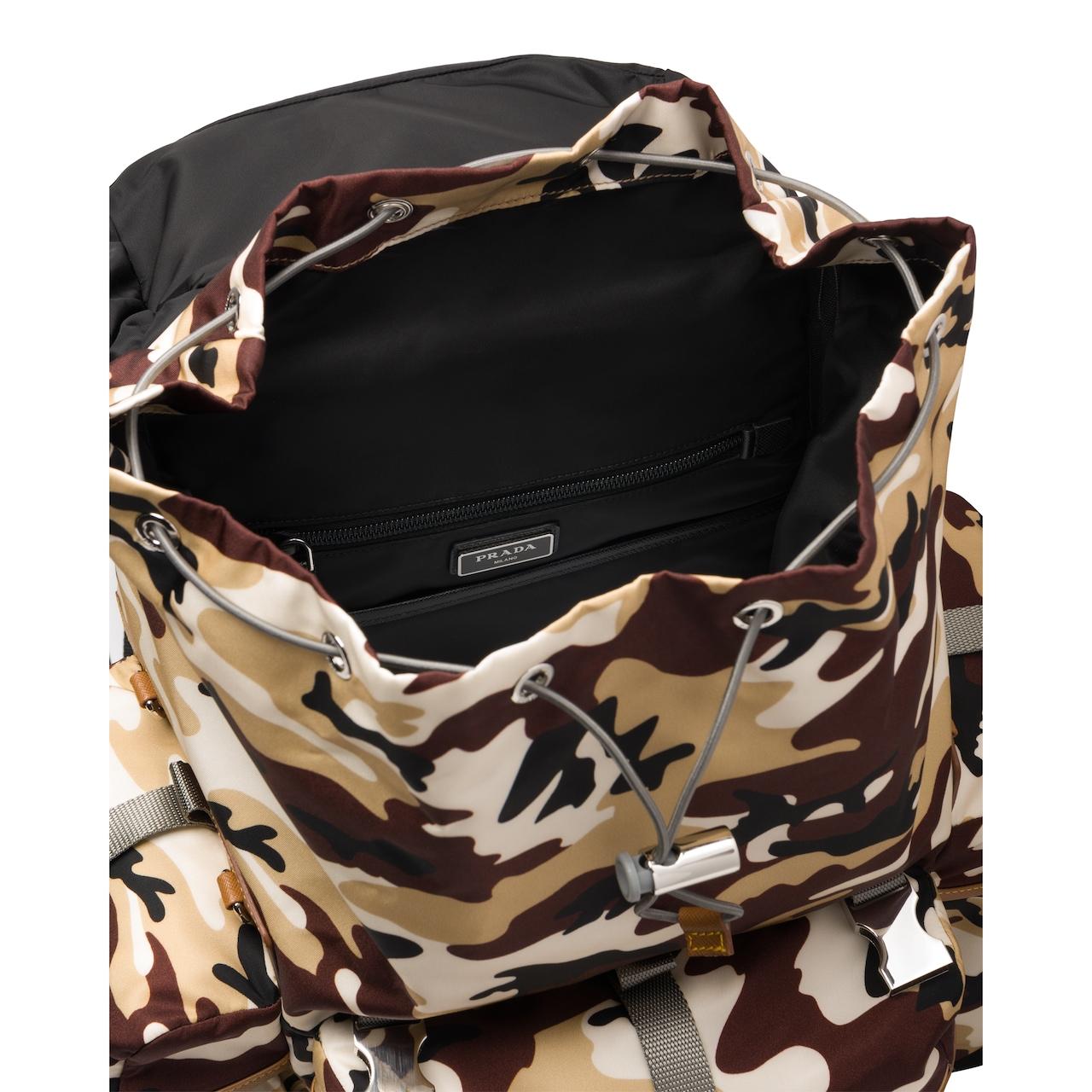 Prada 尼龙和Saffiano 皮革背包 5