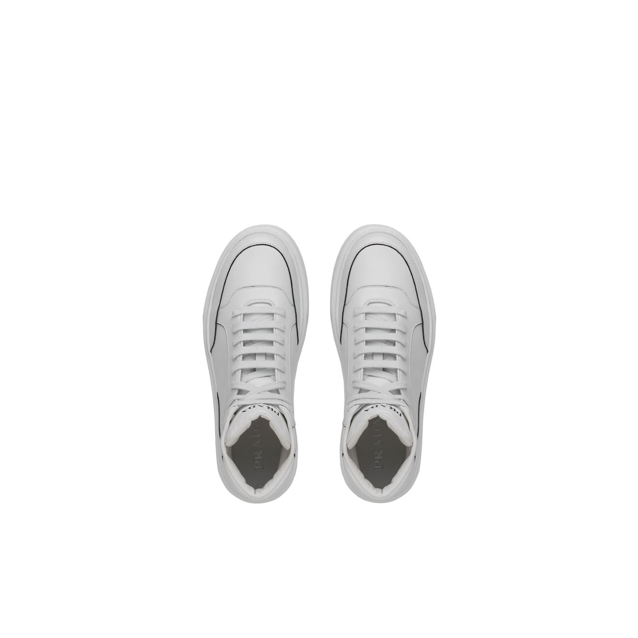 Prada 皮革运动鞋 4