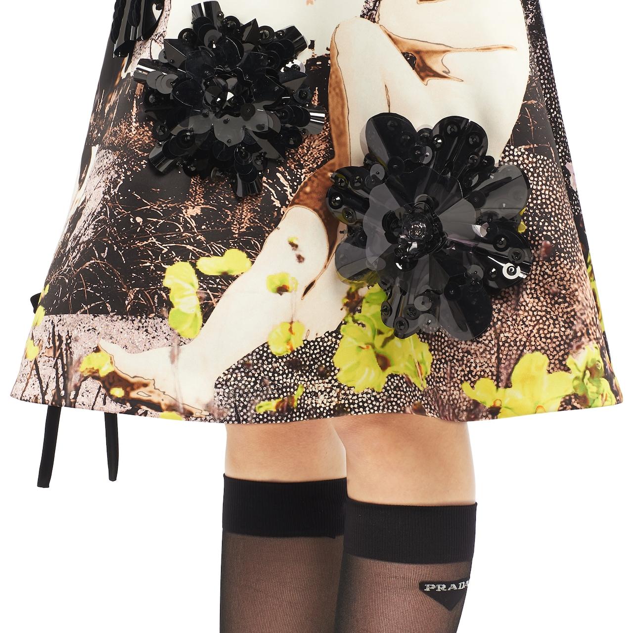 Falda de duchesse con estampado humano