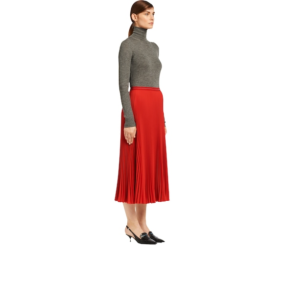 Fluid twill skirt
