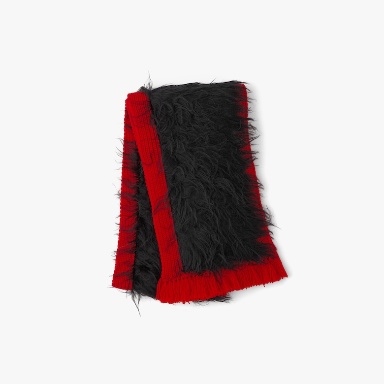 Cablé wool scarf
